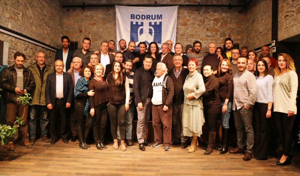bodrumlu gazeteciler BODRUM'DA ÇALIŞAN GAZETECİLERİ UNUTMADI… baskan kocadon calisan gazetecileri unutmadi 1