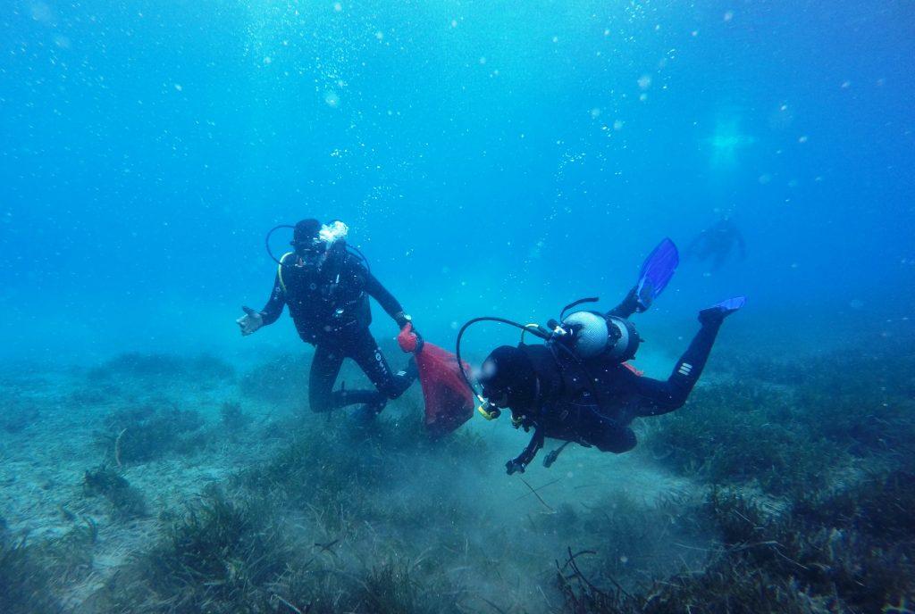 """denİze mavİ yakiŞir DENİZE EN ÇOK """"MAVİ"""" YAKIŞIR… denize mavi yakisi temizlik 3"""