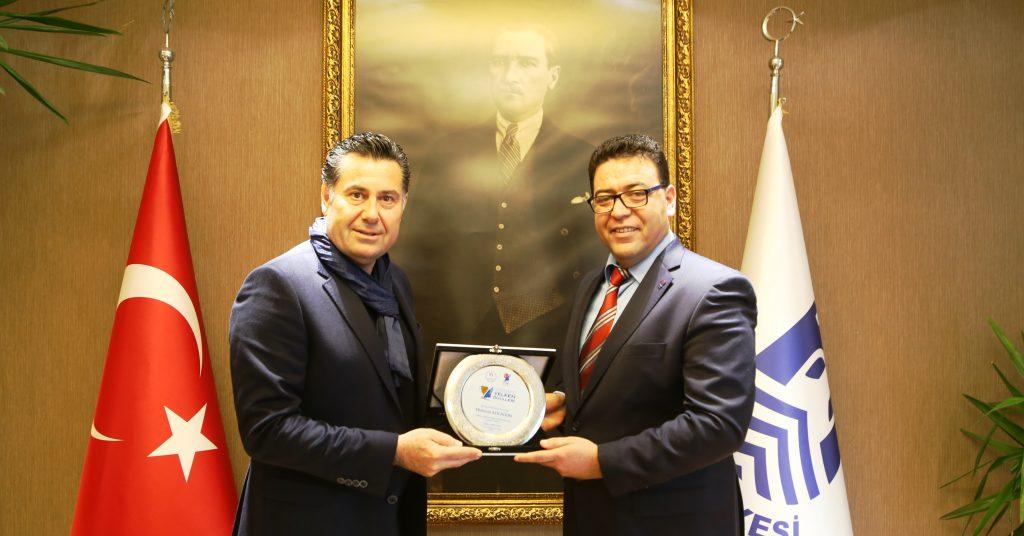 yelken TYF'NİN DESTEK ÖDÜLÜ MEHMET KOCADON'UN… turkiye yelken federasyonu destek odulu mehmet kocadon 2