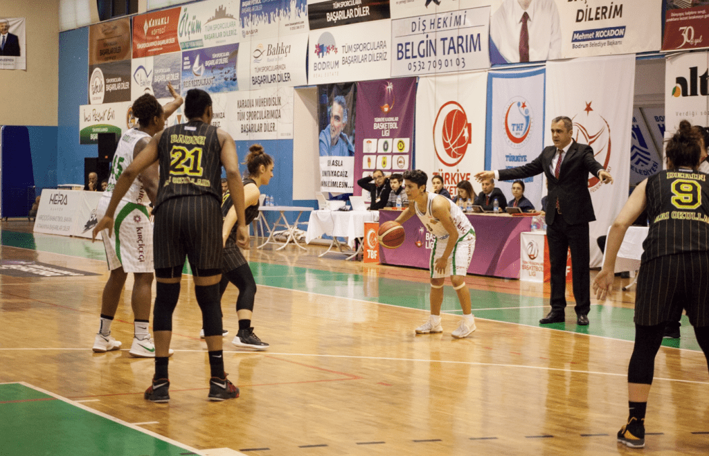 basketbol KIRÇİÇEKLERİ FARKLI SKORLA YARA SARDI… kircicegi bodrum basketbol cankaya universitesi 1