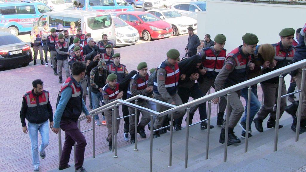 jandarma EMNİYET UNSURLARI UYUŞTURUCU ÇETESİNİ ÇÖKERTTİ… turgutreis uyusturucu opereasyon 3