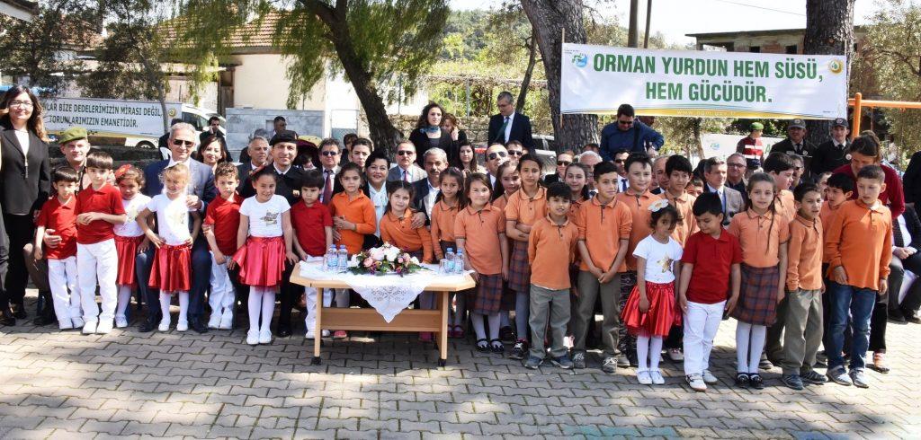 orman VALİ CİVELEK, ÖĞRENCİLERLE FİDAN DİKTİ… okullar hayat olsun mugla 1