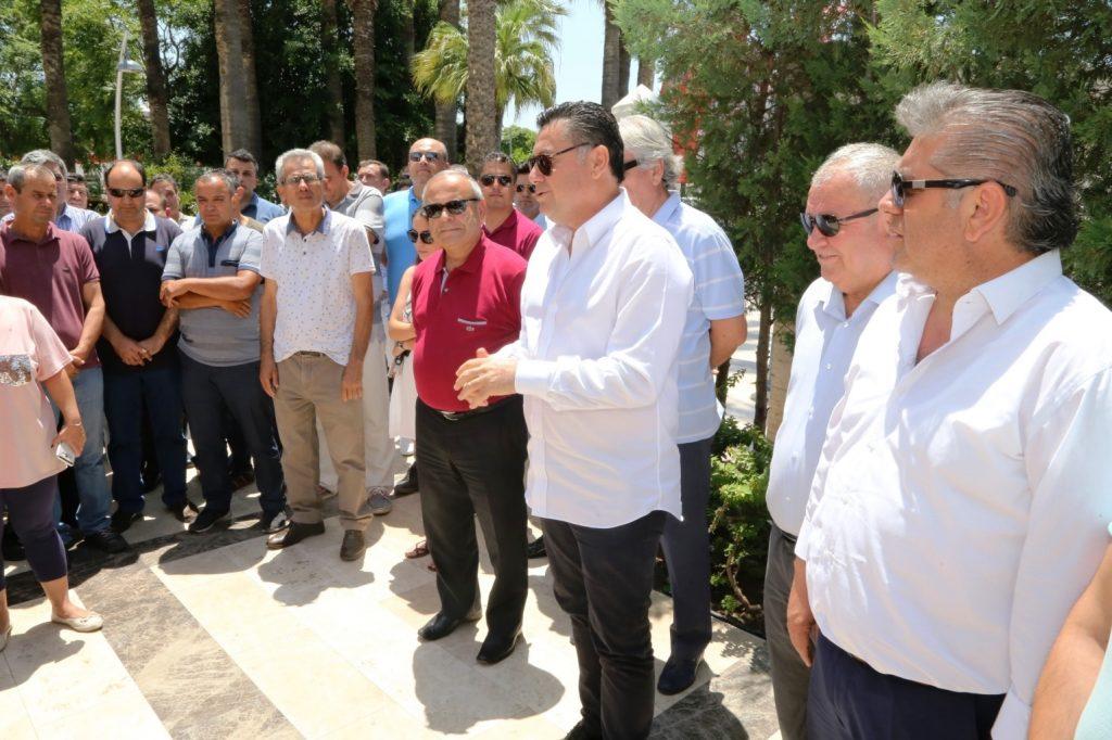 bayram MEHMET KOCADON BELEDİYE PERSONELİYLE PAYLAŞTI… bodrum belediyesi bayramlasma 3