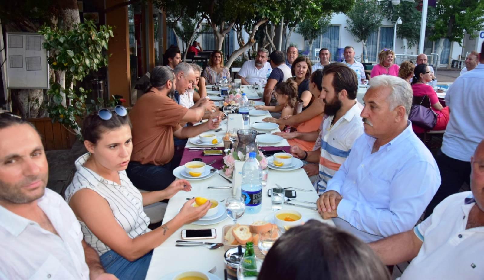 basın AK PARTİ BASIN MENSUPLARININ BAYRAMINI KUTLADI… ak parti basin mensuplari yemek 2