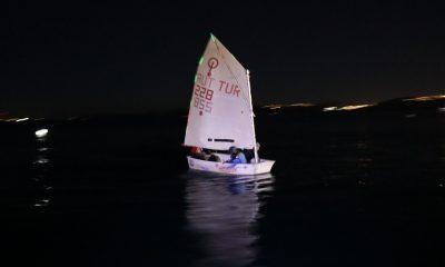 bodrum yelken YELKENCİLER İLK KEZ GECE SEYRİ GERÇEKLEŞTİRDİ… Bodrumsporlu yelkenciler ilk kez gece yelken yapti 1 400x240