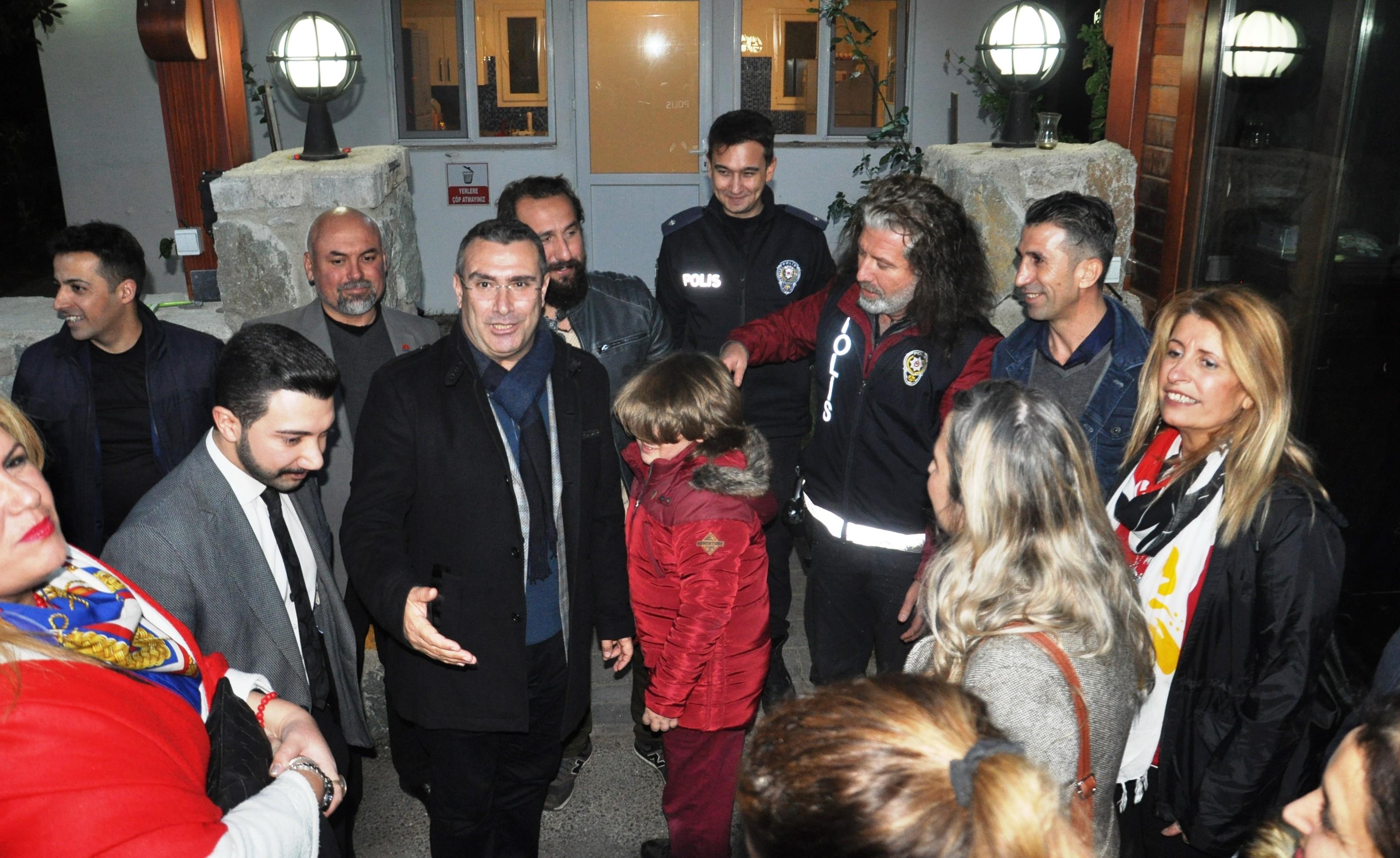 ak parti bodrum AK PARTİ BODRUM, YENİ YILA EMNİYET MENSUPLARIYLA BİRLİKTE GİRDİ…. ak parti yeni yil haber kutlama haber 3