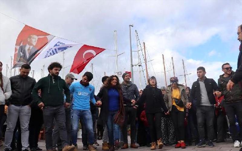 bodrum hamsİ festİvalİ BODRUM'DA 3 TON HAMSİ DAĞITILDI… arena hamsi festivali