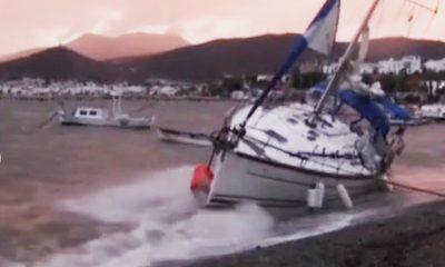 bodrum fırtına BODRUM'DAKİ FIRTINADA TEKNELER HASAR GÖRDÜ… arena tekne 12 400x240