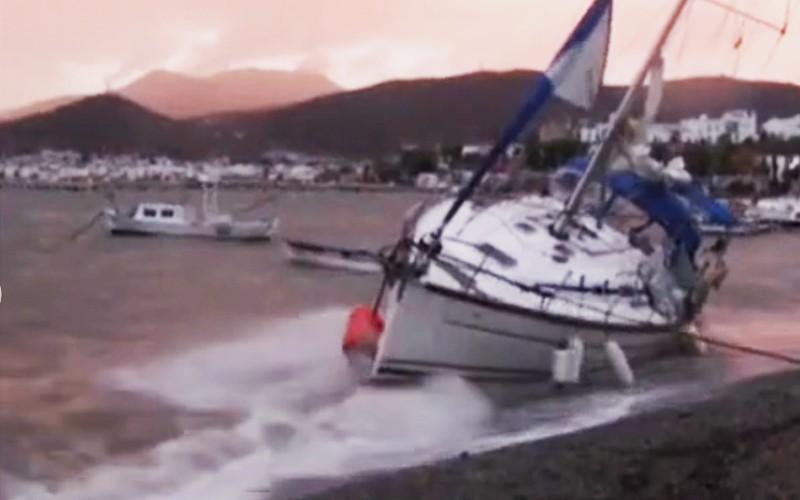 bodrum fırtına BODRUM'DAKİ FIRTINADA TEKNELER HASAR GÖRDÜ… arena tekne 12