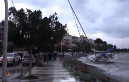 bodrum fırtına BODRUM'DAKİ FIRTINADA TEKNELER HASAR GÖRDÜ… tekne 1