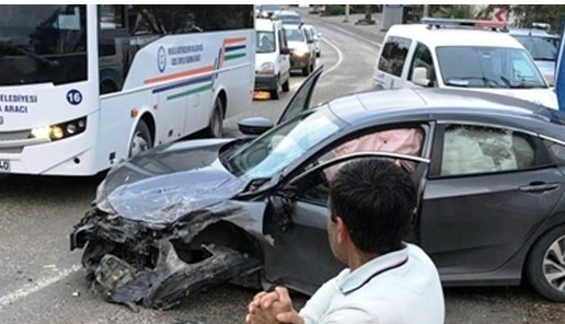 bodrum kaza BODRUM'DA ÖĞRENCİ SERVİSİ KAZA YAPTI. 13 ÖĞRENCİ YARALI… alkollu surucu ogrenci servisine carpti