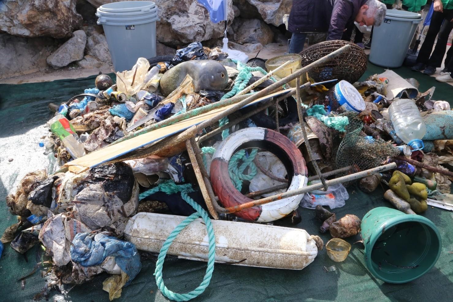 akyarlar AKYARLAR'DA DENİZ DİBİ TEMİZLENDİ… akyarlarda deniz dibi temizligi 10