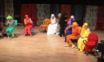 "tiyatro bodrum, TİYATRO BODRUM SERGİLEDİ ""OTOBÜS""… otob  s oyunu 400x240"