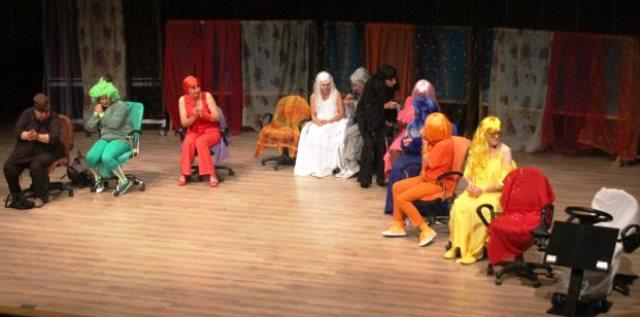 "tiyatro bodrum, TİYATRO BODRUM SERGİLEDİ ""OTOBÜS""… otob  s oyunu"