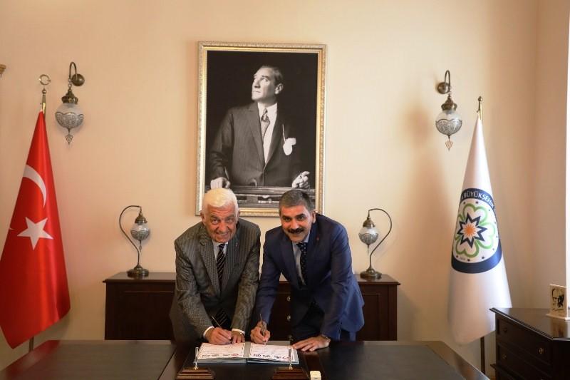 muğla büyükşehir belediyesi İŞÇİLER ZAMMI DAVUL ZURNA İLE KUTLADI…       iler Zamm   Davul Zurna   le Kutlad   3