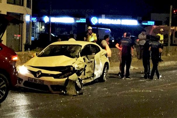 ortakent kaza HAMİLE SÜRÜCÜ KAZAYI UCUZ ATLATTI… bodrum trafik kazas