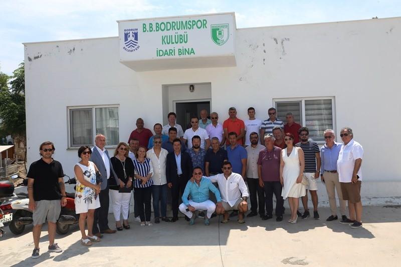 bodrum belediyesi BODRUMSPOR BAŞKAN ARAS'A SUNUM YAPTI… bodrumspor sunum yapt   1