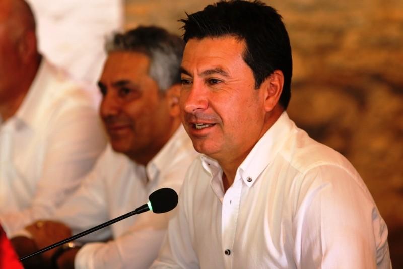 bodrum belediye başkanı ARAS HAKKINDA SUÇ DUYURUSU… BELED  YE BA  KANI AHMET ARAS BODRUM BASINI   LE BULU  TU7