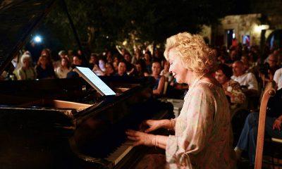 uluslararası gümüşlük klasik müzik festivali, GÜMÜŞLÜK FESTİVALİ AÇILIŞI GÜLSÜN ONAY İLE YAPACAK… G  lsin Onay Dibeklihan 400x240