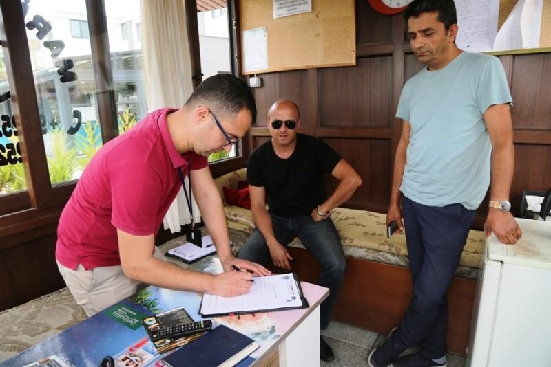 bodrum belediyesi, BELEDİYE KAPI KAPI DOLAŞIYOR… bodrum belediyesi vatanda     dinliyor 8