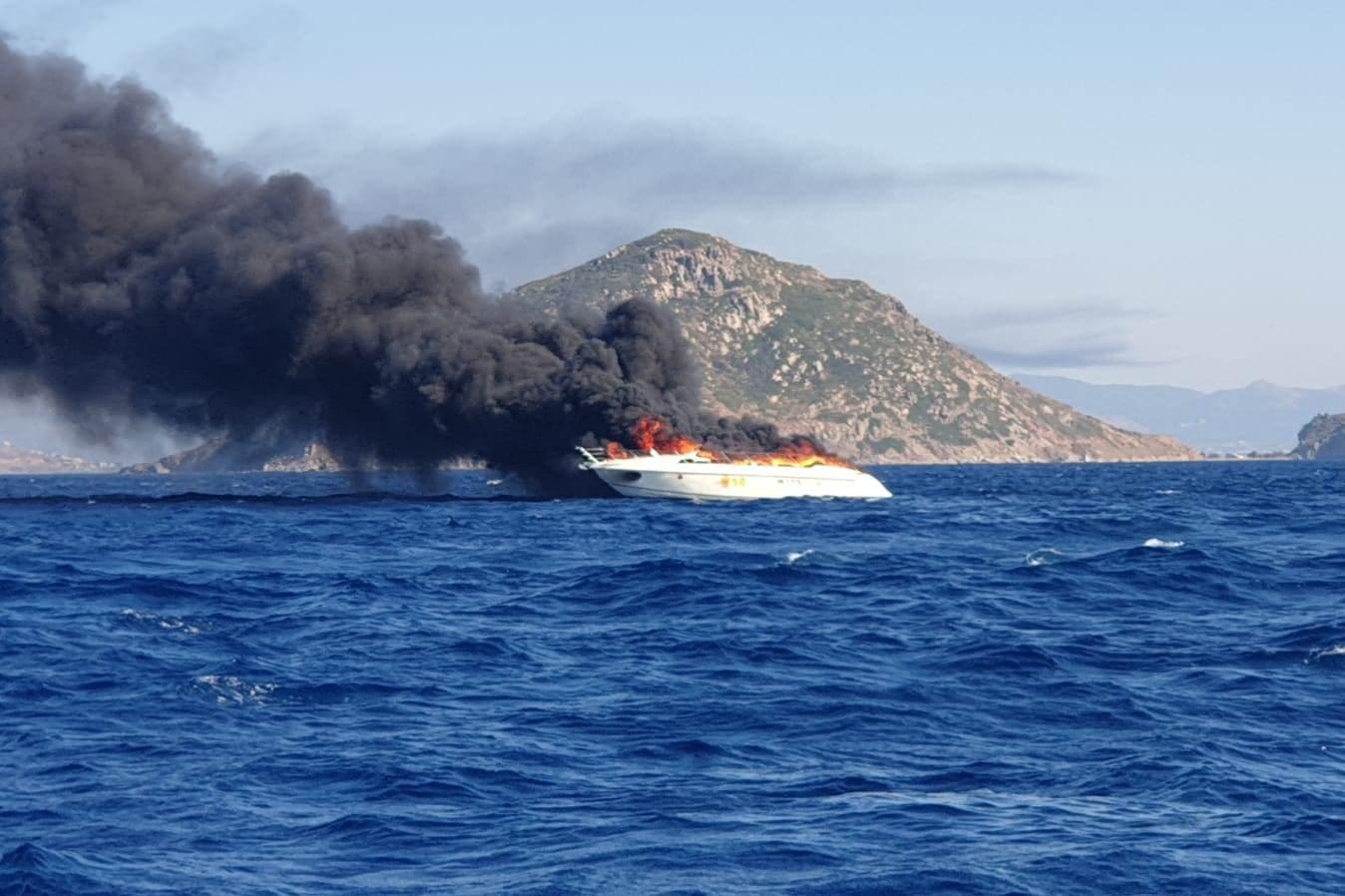 turgutreis tekne yanıyor TURGUTREİS AÇIKLARINDA YANAN TEKNEYE MÜDAHALE EDİLMEYE ÇALIŞILIYOR… turgutreis deniz kazasi 1