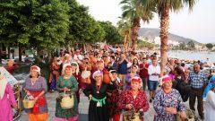 5.KARAOVA BAĞ BOZUMU ŞENLİĞİ RENKLİ GÖRÜNTÜLERLE BAŞLADI..