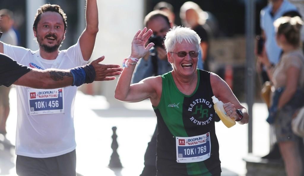 bodrum yarı maraton BODRUM YARI MARATONU RENKLİ GÖRÜNTÜLERE SAHNE OLDU… Bodrum Yari Maraton 3