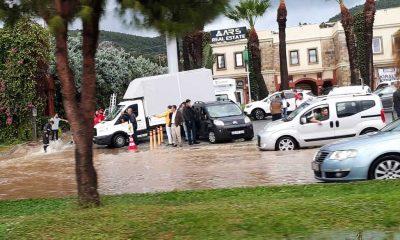 bodrum yağmur YOĞUN YAĞIŞ BODRUM'U ESİR ALDI… bodrum yagmura yine esir 1 400x240