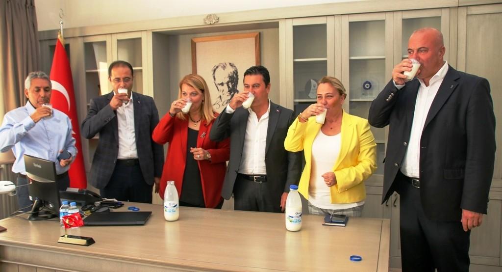 bodrum belediyesi halk süt HALK SÜT TAMAM… SIRADA YOĞURT, KAYMAK VE PEYNİR VAR… karaova halk sut 2