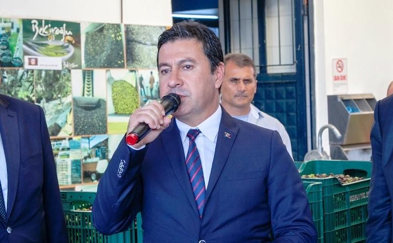 bekiroğlu zeytinyağı fabrikası ZEYTİN ÜRETİCİLERİNE ZEYTİN KASALARI DAĞITILACAK… ahmet aras