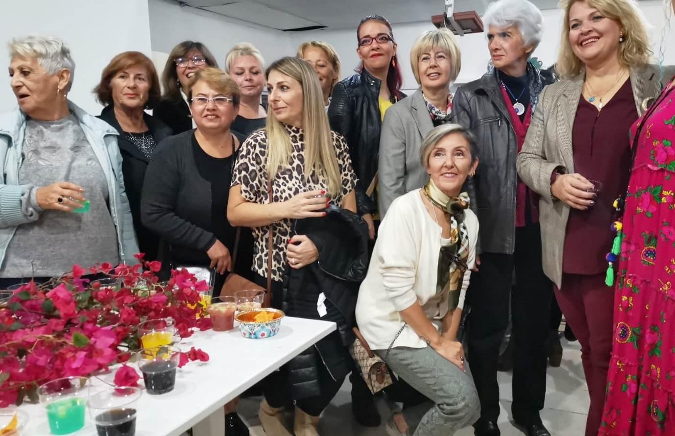 TURGUTREİS'E ESTETİK, RENK VE DEĞER KATMAK İÇİN BİR ARADALAR… turgutreis sanat lar dernegi 2