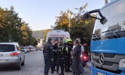 bodrum kaza DİKKATSİZ SÜRÜCÜ MOTOSİKLETE ÇARPTI… bodrum kaza 400x240