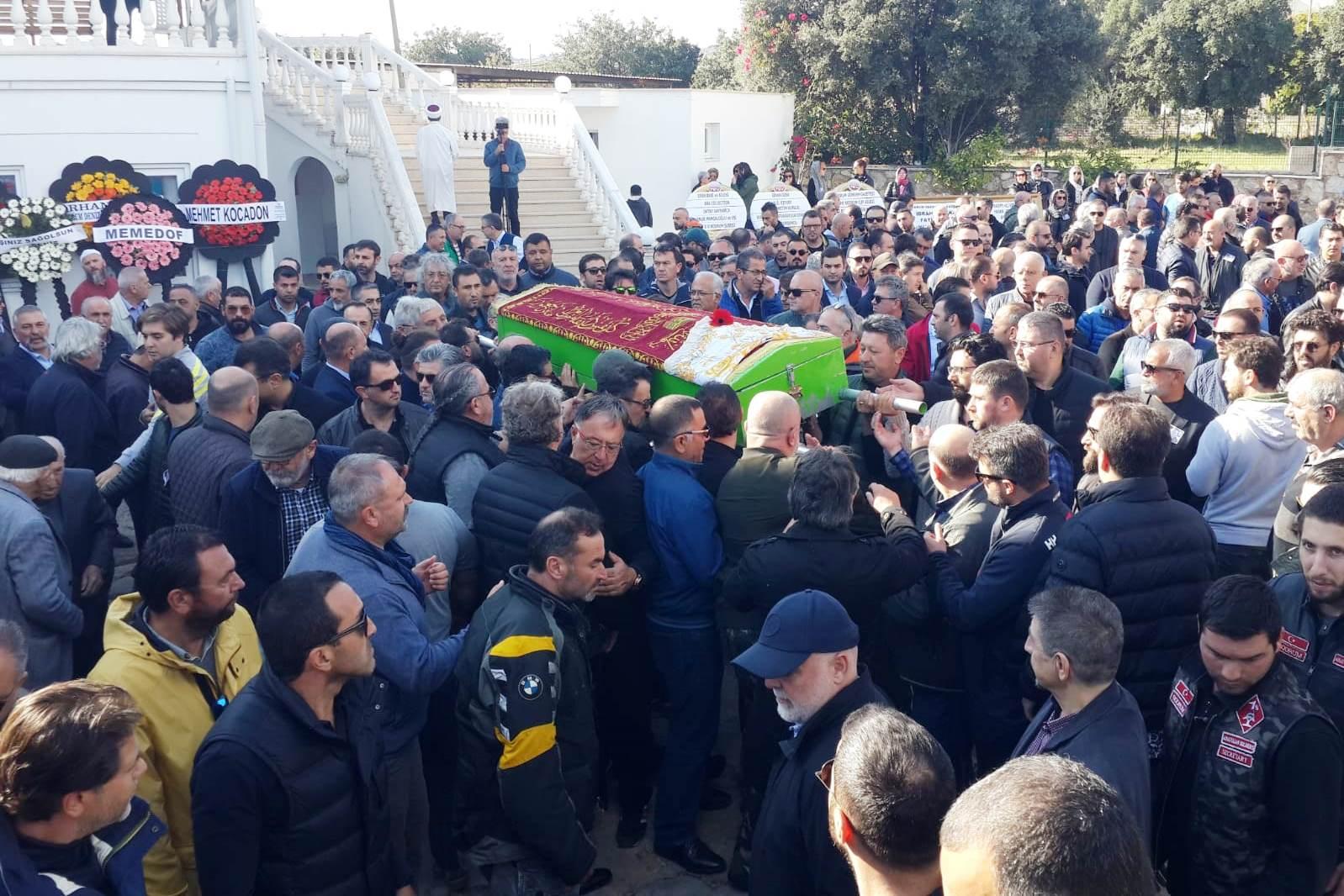 elmas serttaş ELMAS SERTTAŞ SON YOLCULUĞUNA UĞURLANDI… elmas serrtas cenaze 2