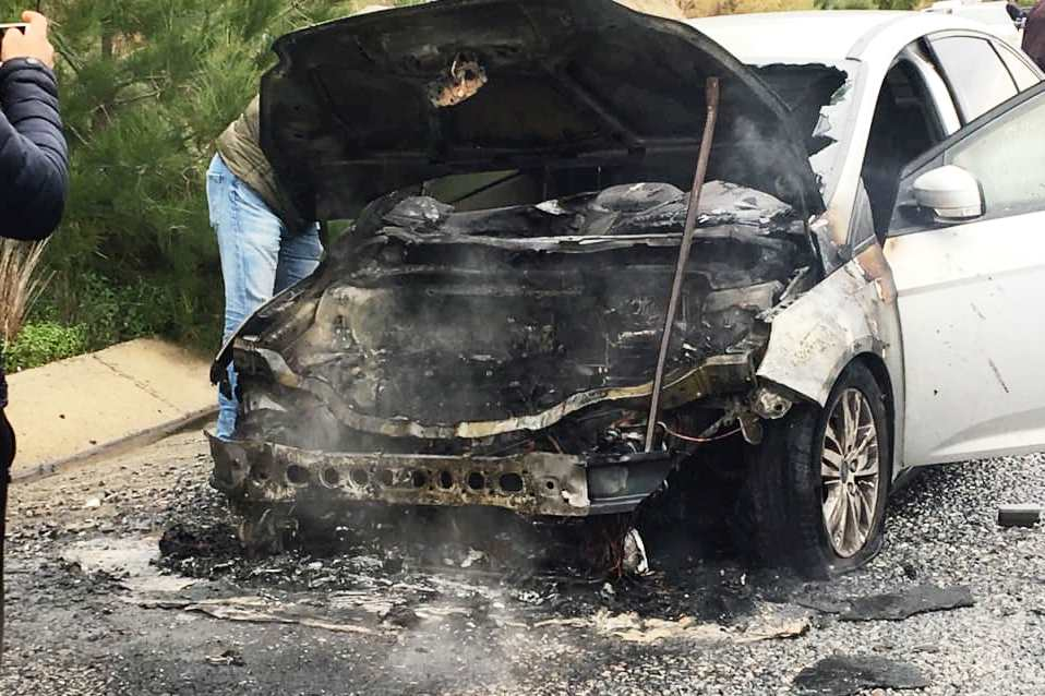 selda kızıl Yanan araçla yüzlerce metre gittiler… selda kizil kaza 1