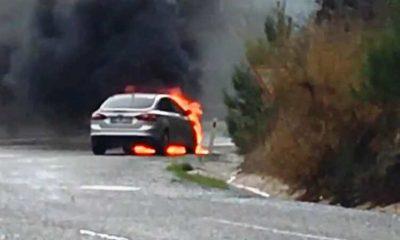 selda kızıl Yanan araçla yüzlerce metre gittiler… selda kizil kaza 2 400x240