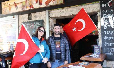 bodrum beldiyesi Cumhuriyet Sokağı Türk Bayraklarıyla süslendi… bodrum bayrak 1 400x240