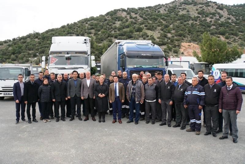 bodrum belediyesi Bodrum'dan 2 TIR dolusu malzeme Elazığ'a doğru yola çıktı… elaz  g yard  m malzemesi 3