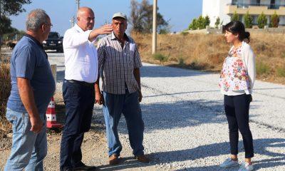 karaova Karaova çiftçilerinin yüzü açılan bahçe yolları ile güldü… karaova yol calismasi 4 400x240