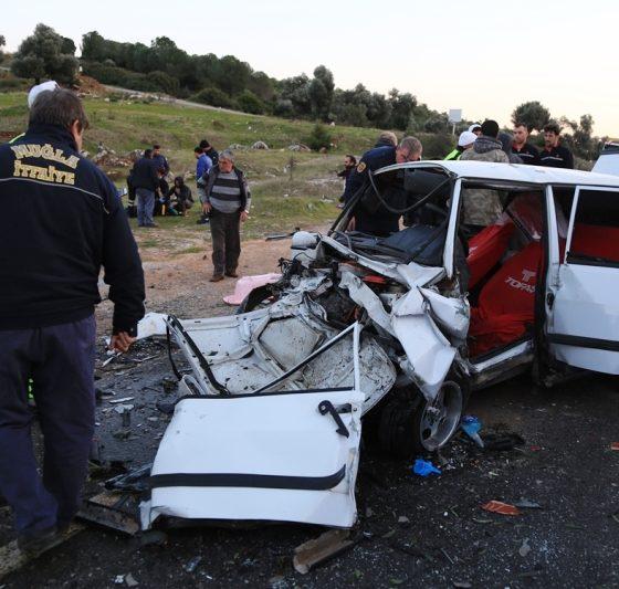 milas kaza 7 Aylık hamile kadınında yaralandığı kaza korkuttu… milas kaza 1 560x533