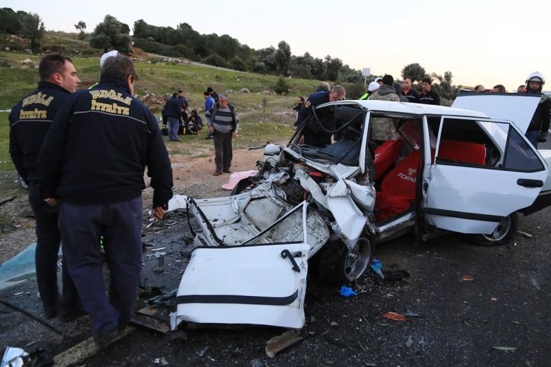 milas kaza 7 Aylık hamile kadınında yaralandığı kaza korkuttu… milas kaza 1