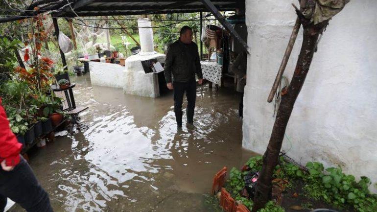 Kuvvetli yağış Yalıkavak'ta su taşkına sebep oldu…