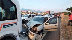 Otomobil İle Yolcu Minibüsü Çarpıştı: 7 Yaralı…