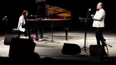 Anjelika Akbar ile Hakan Aysev'den Bodrum Konseri…