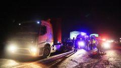 Otomobil İle Tır Çarpıştı: 1 Ölü, 3 Yaralı…
