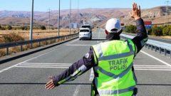 Trafik Polisine Çarpıp Kaçan Cezaevi Firarisi Tutuklandı…